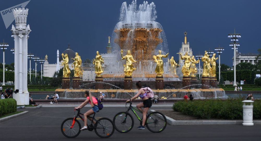 俄水文气象中心:莫斯科未来几天有望打破高温纪录