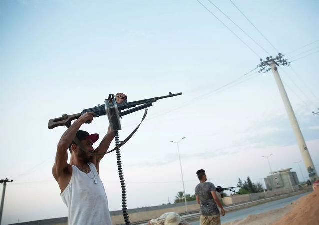 媒体:利比亚首都发生武装团体间冲突