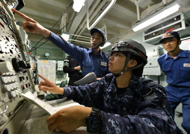 日本和英國在亞丁灣進行反海盜聯合演習