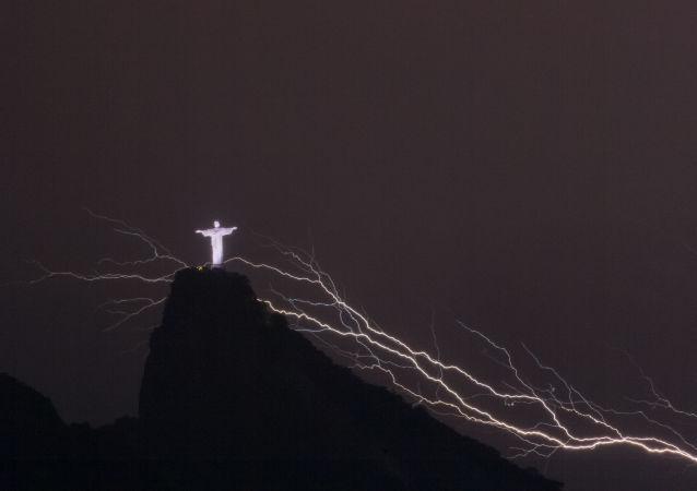人类历史上最长的闪电记录