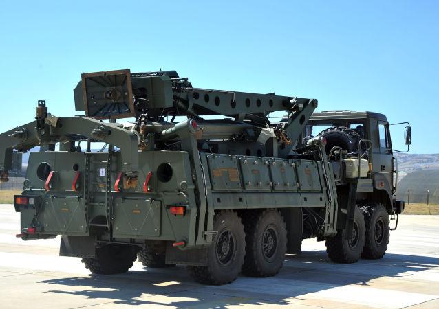 拉夫罗夫:俄罗斯高度评价土耳其有关S-400防空导弹的立场